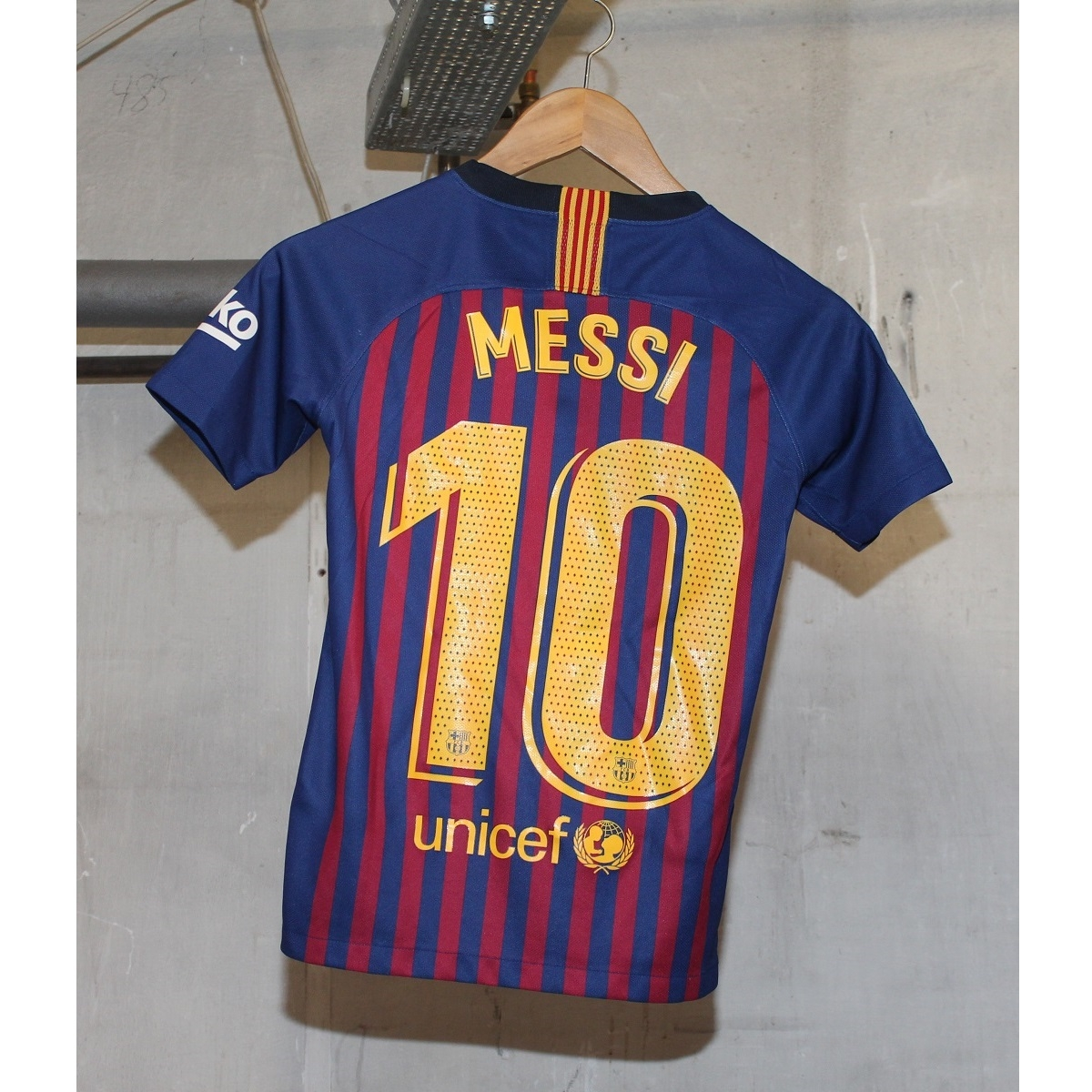 Image of   FC Barcelona home jersey 2018/19 - youth - Messi 10-YM | 137-147