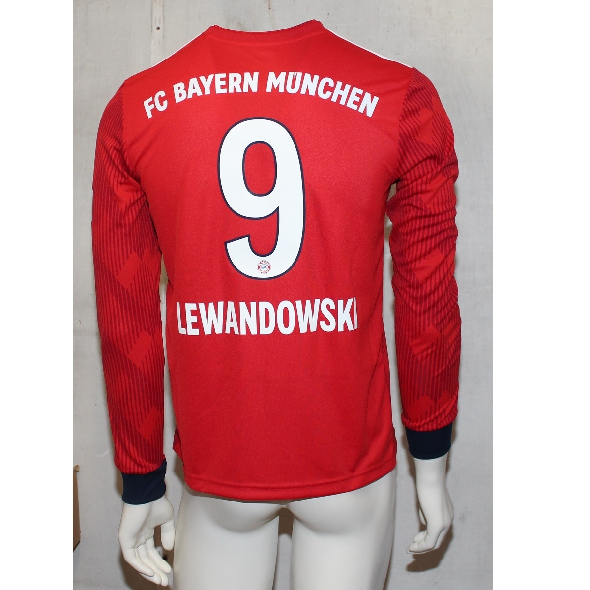 Image of   FC Bayern home jersey L/S 2018/19 - youth - LEWA 9-176