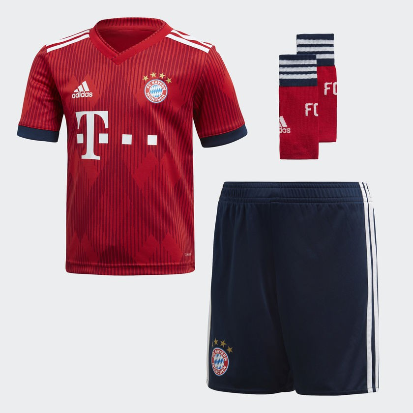 FC Bayern home kit - little boys