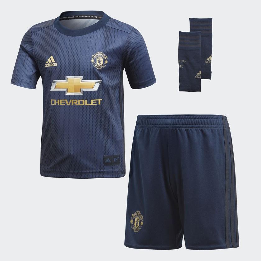 Man Utd third kit - little boys