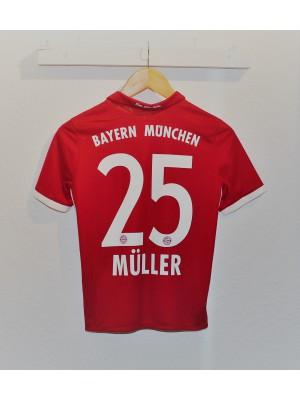 FC Bayern home jersey - Müller 25