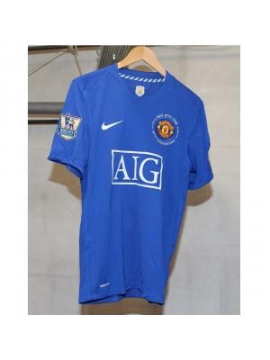 Man United away 2008/09 - Champs badges 07/08