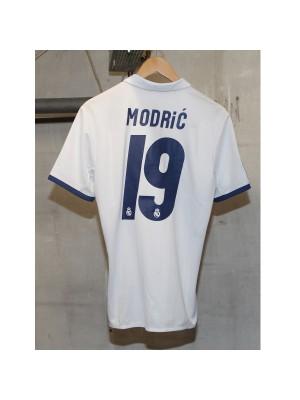 Real Madrid home jersey 2016/17 - Sergio Ramos 4