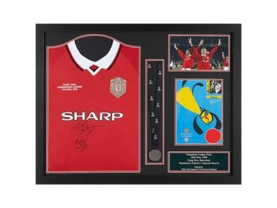 Manchester United trøje - Sheringham & Solskjaer Signed Shirt Medal Framed