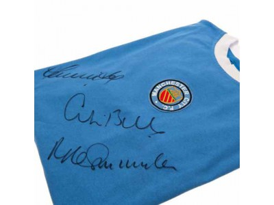 Manchester City trøje autograf - Bell / Lee / Summerbee Signed Shirt