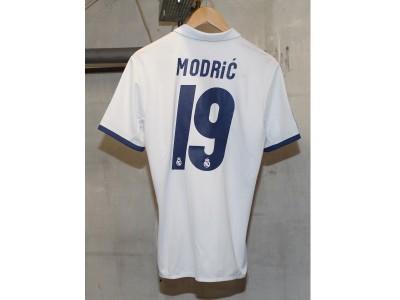 Real Madrid hjemme trøje 2016/17 - Modric 19