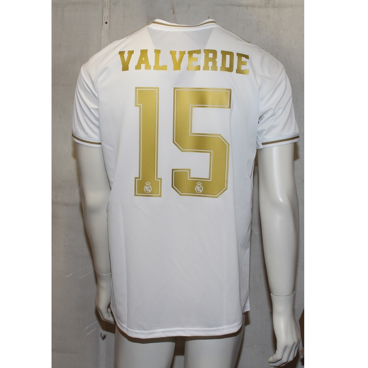 Image of   Real Madrid home jersey 2019/20 - Valverde 15-L