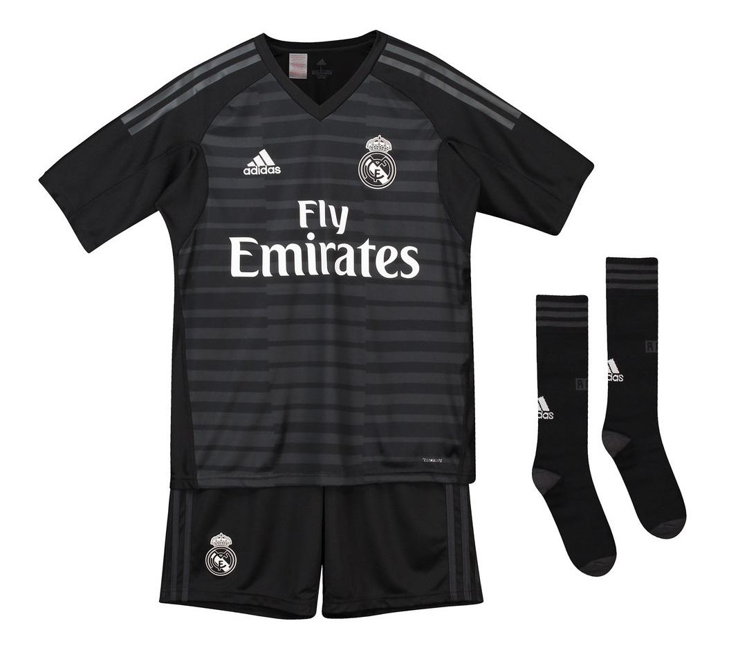 Real Madrid goalie kit 2018/19 - youth-140