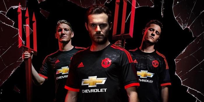Manchester United 3rd kit 2015/16
