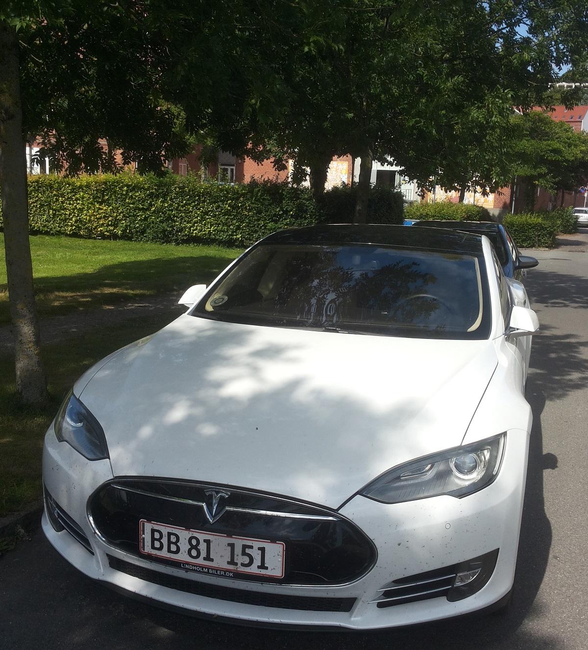 Tesla Motors hvid bil