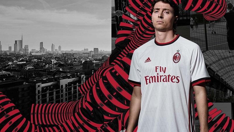AC Milan ude trøje 17/18