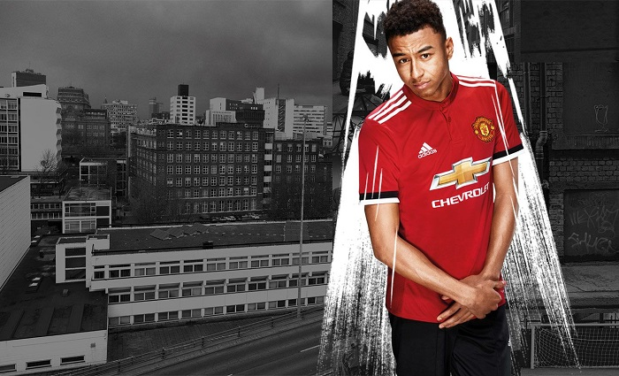 Man United home jersey 17/18